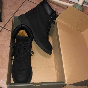 Black timberland junior boots